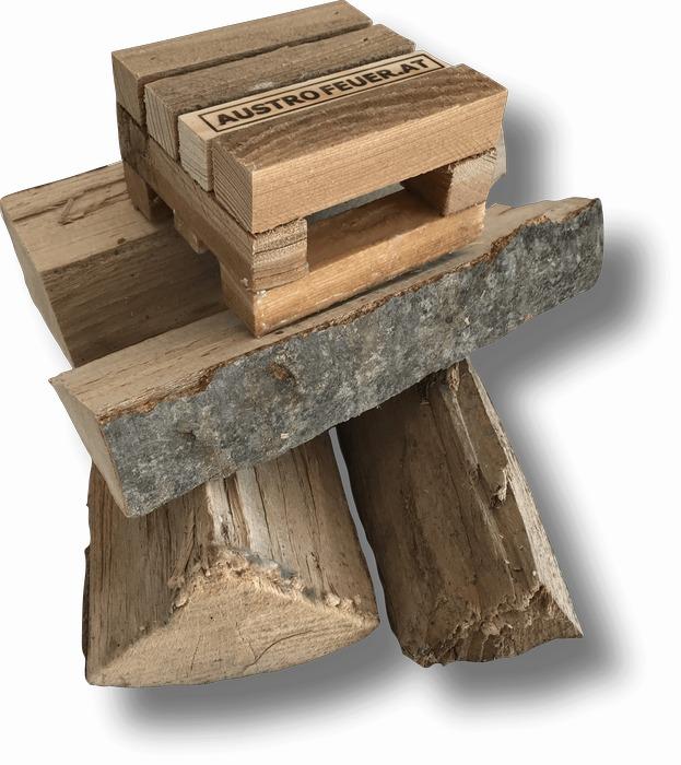 Holzstapel (700px)